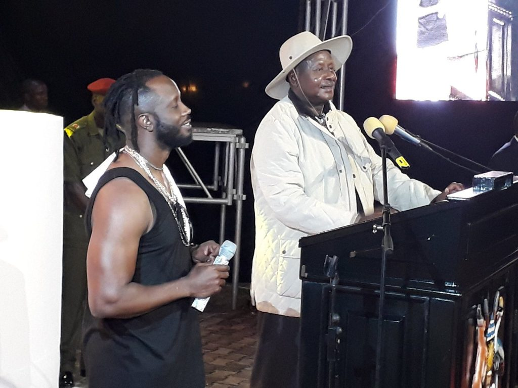 Yoweri Museveni attends Bebe Cool show, Pays All The bills - ugwire