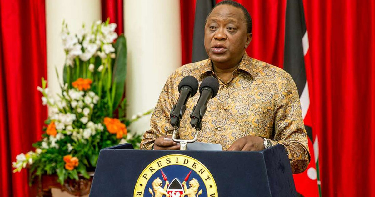 Uhuru Kenyatta Bodyguard Fake Hands Revealed – PHOTOs